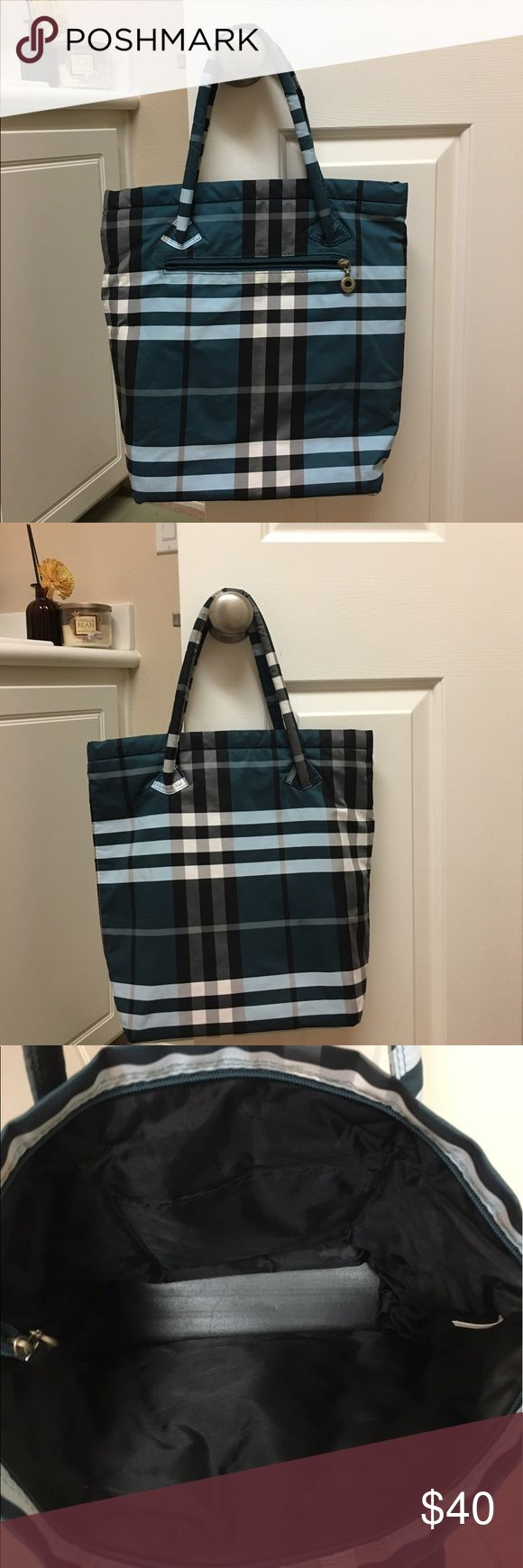 💙FLASH SALE beautiful nylon tote Beautiful nylon tote! Bags Totes