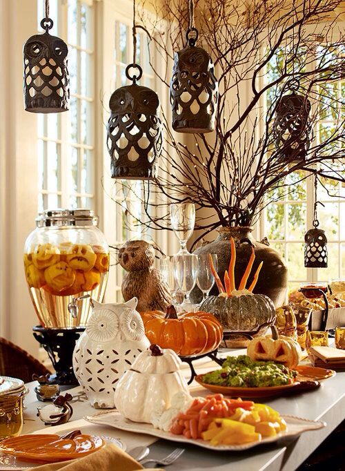 A beautiful Halloween Brunch tablescape. Halloween Brunch, Deviliciously Delicious