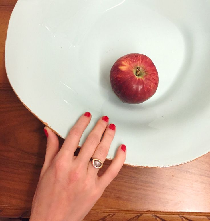 Did Eve really eat the apple?? Black silver ring with rose gold #moonstone // Fluidity Collection #huffyjewels www.huffyjewels.com