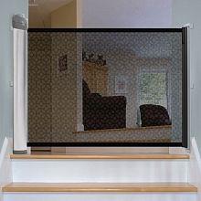 Déplacez-vous facilement d'une pièce à l'autre grâce à la barrière entièrement rétractable de Summer Infant. Cette solution novatrice vient remplacer les barrières classiques fixées au mur tout en éliminant les inconvénients d'une barrière fermée entre deux pièces. Emplacement et fixation:   Se fixe au mur pour une sécurité accrue et une utilisation possible dans le haut des escaliers. Quincaillerie incluse.  Peut être utilisée entre les pièces. Dimensions: 78,7cm (30po) de haut, pour…