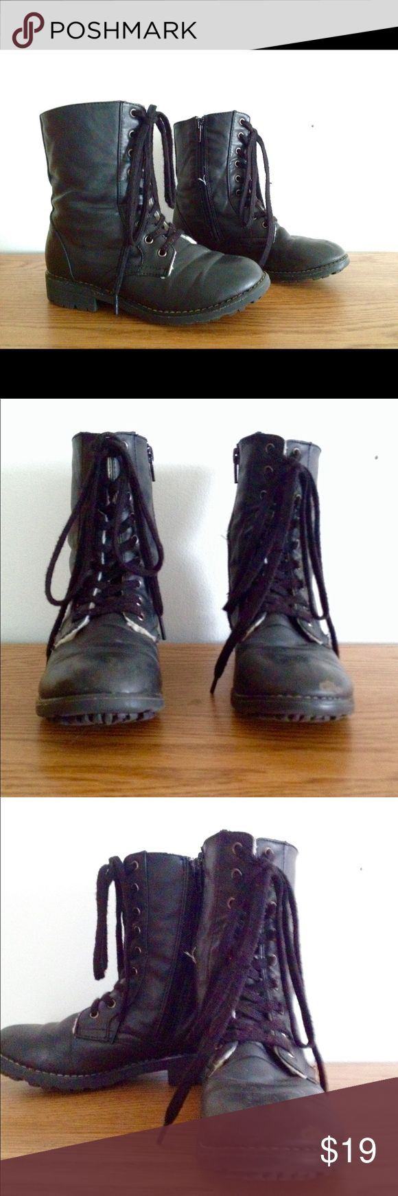 Girls black gladiator boots size 1 These wool padded girls black gladiator boots are in great condition offers are welcome Candie's Shoes Boots