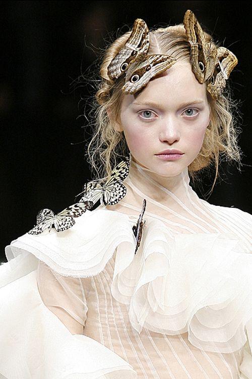 Gemma Ward - Alexander McQueen Fall/Winter 2006