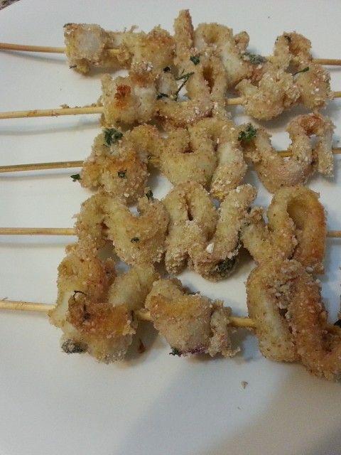 Calamari impanati al forno - http://www.food4geek.it/le-ricette/secondi-piatti/pesce/calamari-impanati-al-forno/