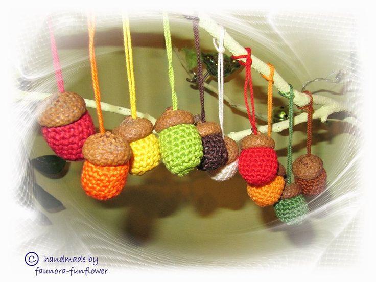 Deko-Obst - Große Eichel -Hänger Herbstfarben, gehäkelt - ein Designerstück von faunora-funflower bei DaWanda