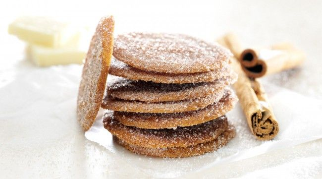 Μπισκότα ζάχαρης και κανέλας