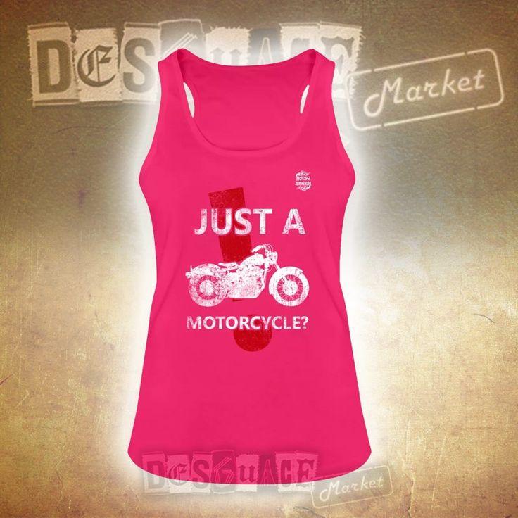 Camiseta de tirantes con dobladillo redondeado y espalda nadadora. De cultivo ecológico y corte ceñido Noisy Smith Just a Motorcycle para mujeres, 100% algodón.