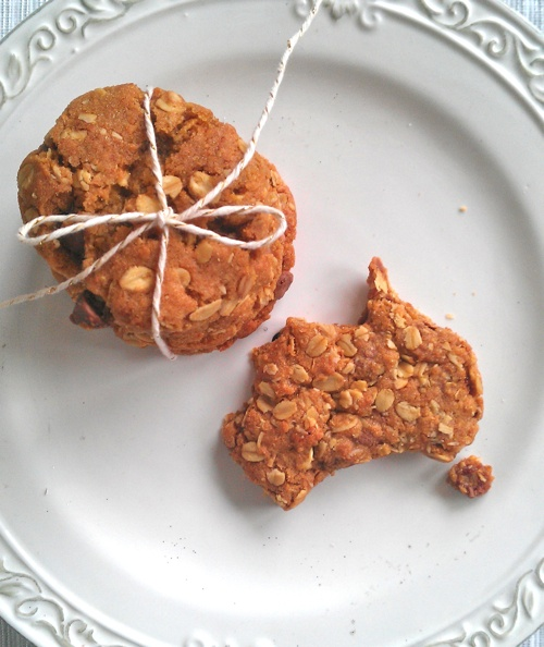 Australia day Anzac cookies. I am gonna put a twist on these if I ever make and do peanut butter