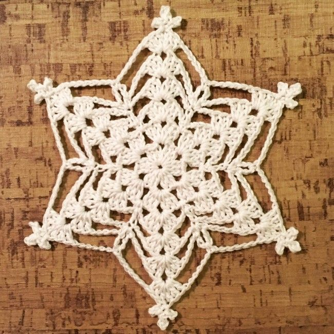 Williams star no2. Free crochet pattern.