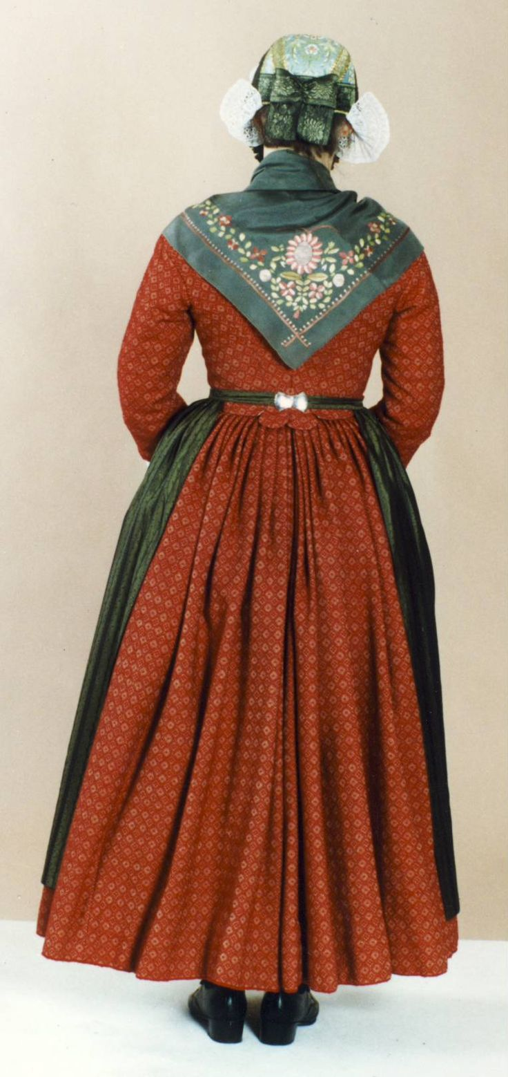 sdj-08.JPG (763×1616) Danish folk dress