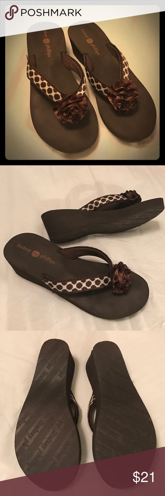 "Lindsay Phillips Brown Flip Flops Brand Lindsay Phillips. Size 10. Like new. Heel height 2.5"". Brown and cream colored. Non-smoking home. Lindsay Phillips Shoes Sandals"
