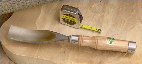 Log notch gouge for saddle notches a sturdy with
