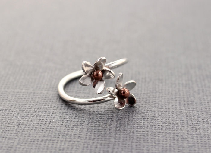 Ring Of Flowes