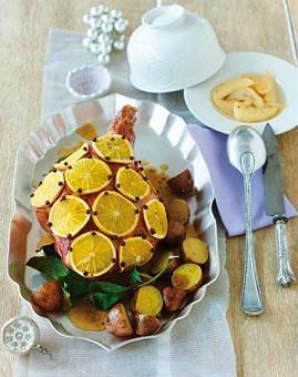 Spanferkel-Keule mit Orangen und Nelken | LIVING AT HOME