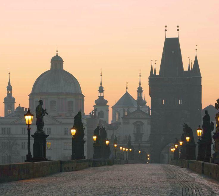 PragueThe Charles Bridge. Prague.Czech Republic. Карлов мост. Чехия. Прага