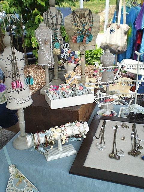 craft show display the junquerie