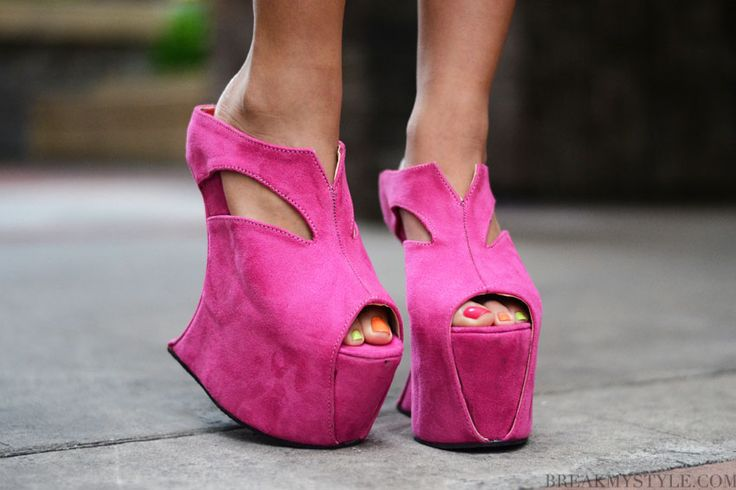 interesting...: Shoes Orgasm, Shoes Fit, Fashion Show, Posts, Wedges, I'M, Shoes Makenna, Walks In, My Style