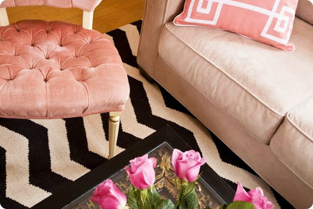 Love the color comboDecor, Chairs, Colors, Interiors Design, Living Room, Black White, House, Pink Black, Chevron Rugs