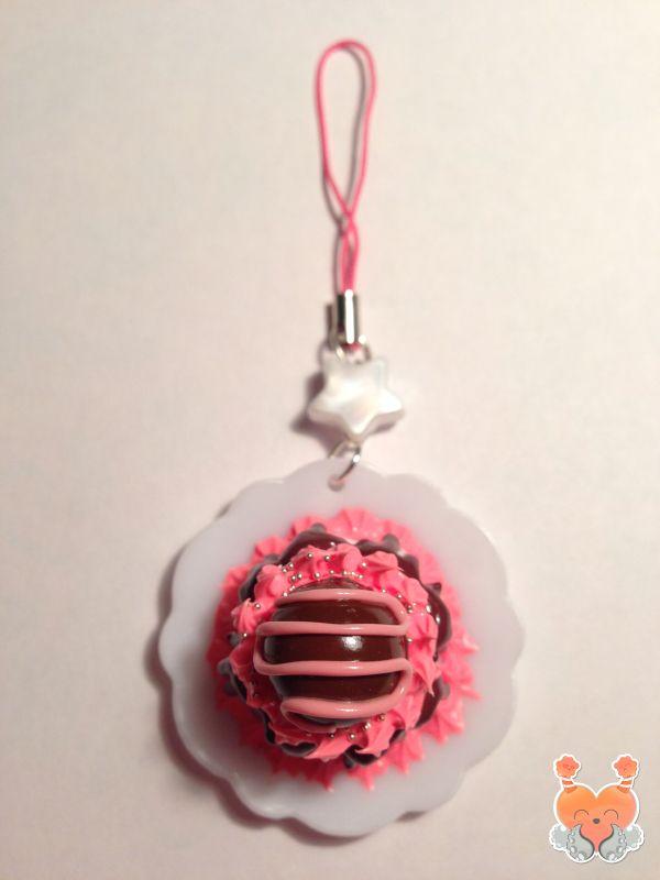 Kawaii keychain. Handmade out of Fimo clay. #Handmade #Keychain #Kawaii #Cake #Fimo #Cute