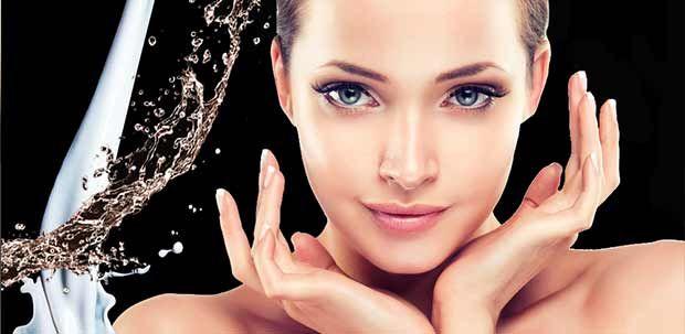 Die Kosmetik der neuen Generation nutzt die wichtigste Entdeckung für die Zellbildung und Erneuerung der Haut – die Aminosäuren. Sie besitzen Signalmoleküle, die eine Kaskade von Zellaktivitäten auslösen, die die Kollagen- und Elastinbildung anregt, die Zellerneuerung aktiviert und die Verhornung verhindert. Sogar der Zellverlust durch freie Radikale kann gemindert werden. #Anti-Aging #Aminosäuren #Kosmetik #Kollagen