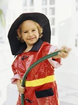DIY Halloween : How to Make a Homemade Kid's Fireman Costume