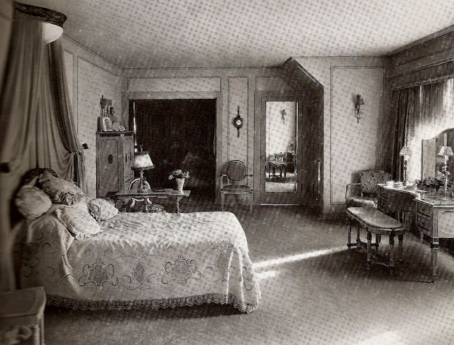 Best 25+ Old hollywood bedroom ideas only on Pinterest | Bedroom ...