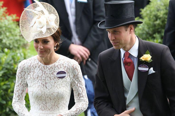 La Duchessa di Cambridge sceglie un look italiano e sbaraglia tutte.