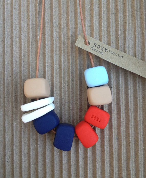 #clay #necklace Etsy https://www.etsy.com/it/listing/109184836/expat-grosso-tallone-collana-rosso