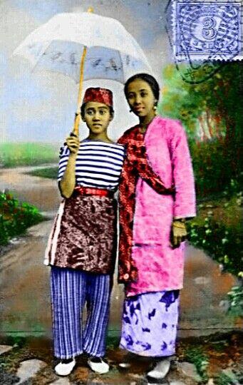 Miss Riboet Orion adlh Opera Komedi Stambul terkenal di Batavia  1920-an dengan Toneel Melajoe.. https://t.co/dFmNhsRzDW Colored by Achmad Jazuli