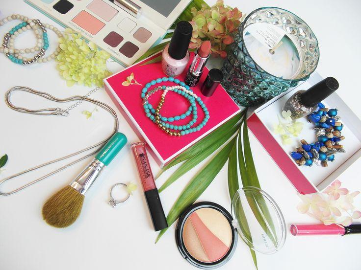Nanas & Cie c'est, la Mode, la Beauté et l'Art de Vivre livré chez vous à chaque mois !