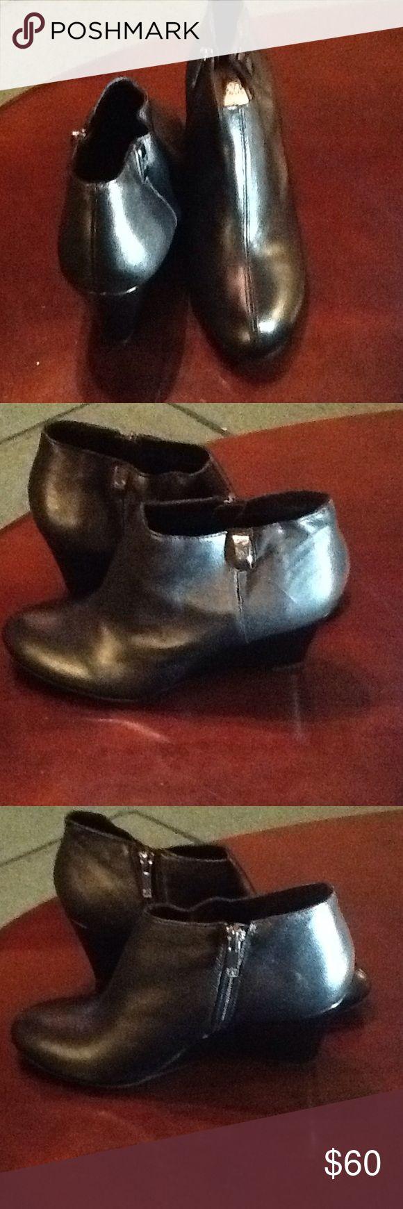 ANNE KLIEN BLACK PLATFORM ANKLE BOOTS ANNE KLIEN BLACK PLATFORM ANKLE BOOTS SIZE 9.5M NEW WITH BOX Anne Klein Shoes Ankle Boots & Booties