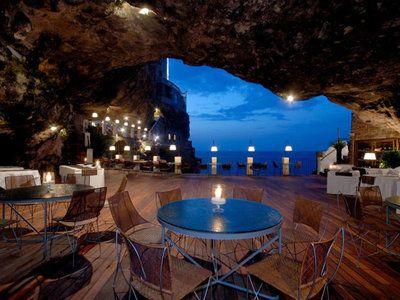 | CoastalLiving, Italia Polignano, Hotel Grotte Palazzese
