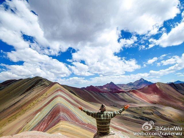 #P#2016年08月10日-秘鲁彩虹般的色彩铺满16500英尺高的Vinicunca山脉摄影师Brandon Morris 分享自@iWeekly周末画报