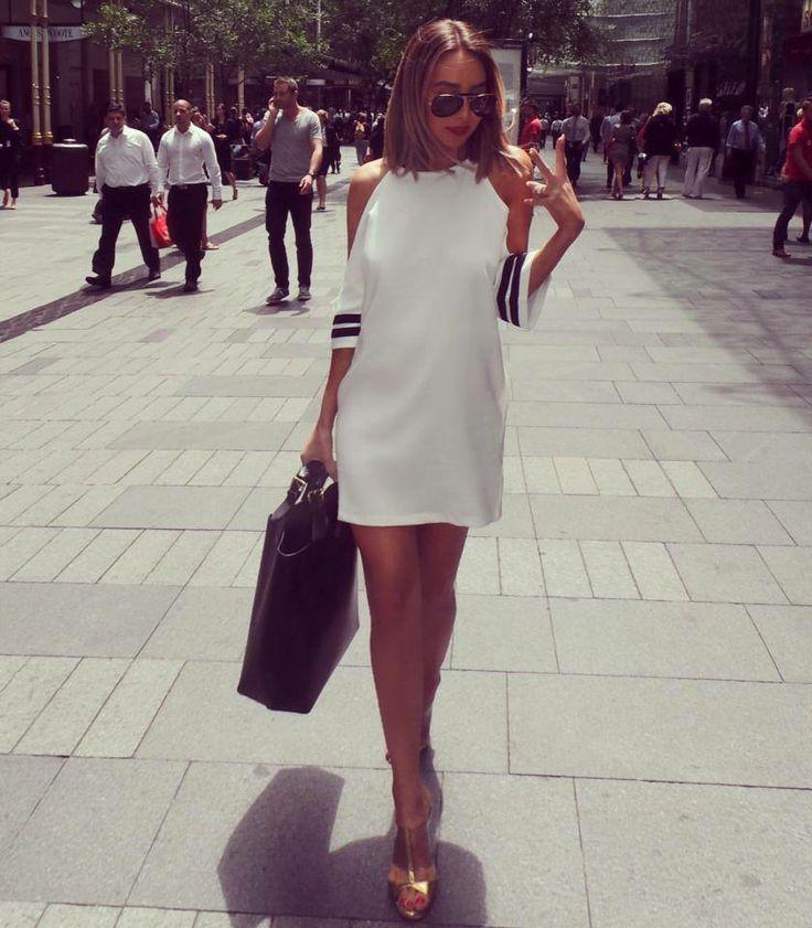 Work day. Dress @mirrorimageboutiquee Bag #zara Shoes #manoloblahnik @pelle4scarpe
