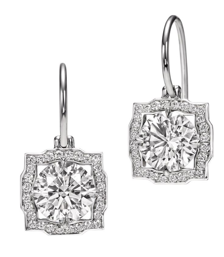 Harry Winston Belle earrings for the rehearsal dinner #rehearsalDinner