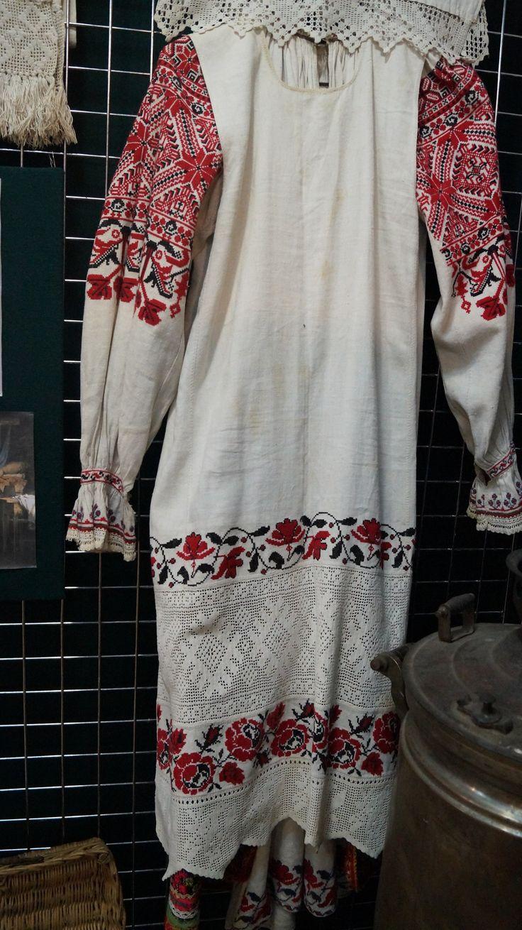 женская рубаха, передник-брянский музей