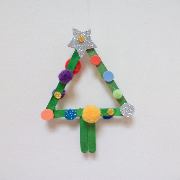 kerstversiering knutselen (peuter): kerstboompje  http://bengels.tmedia.be/2012/12/15/rudolph.aspx