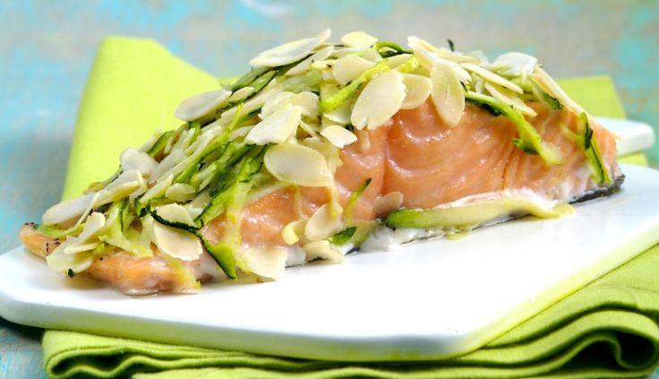 Salmone in crosta di zucchine e mandorle