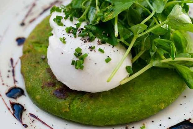 Bruno Loubet - Pea pancakes and poached egg