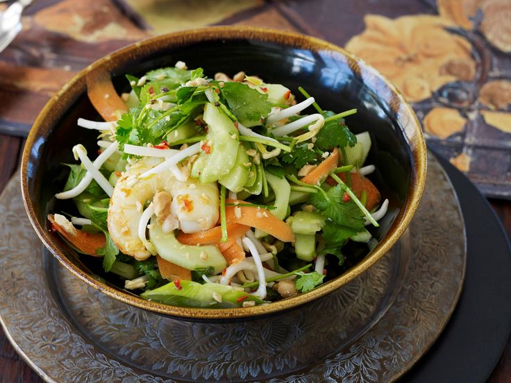 Light, fresh and tasty, this delicious Asian inspired prawn and edamame bean salad is beautiful for a healthy lunch or dinner.
