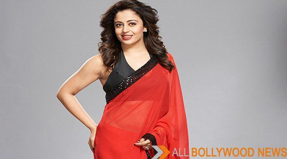 Neha-Pendse in Red Saree