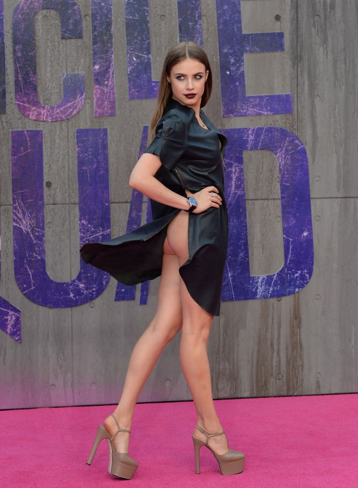 xenia tchoumitcheva upskirt at the premiere of suicide squad in london posted on aug 4th. Black Bedroom Furniture Sets. Home Design Ideas