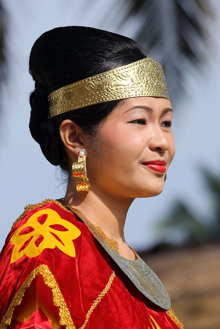 Nias woman in traditional dress at an event in North Nias Regency, Nias Island, Indonesia. Photo