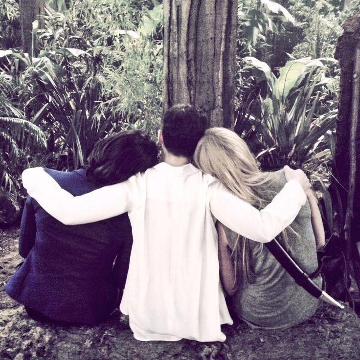 Too sweet! Lana Parilla, Ginny Goodwin and Jen Morrison (Regina, Snow and Emma) #OUAT