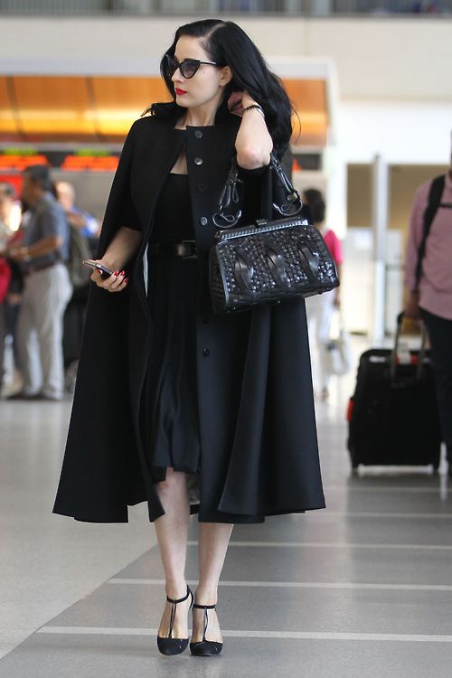 New goal in life; to look this amazing just walking through an airport.