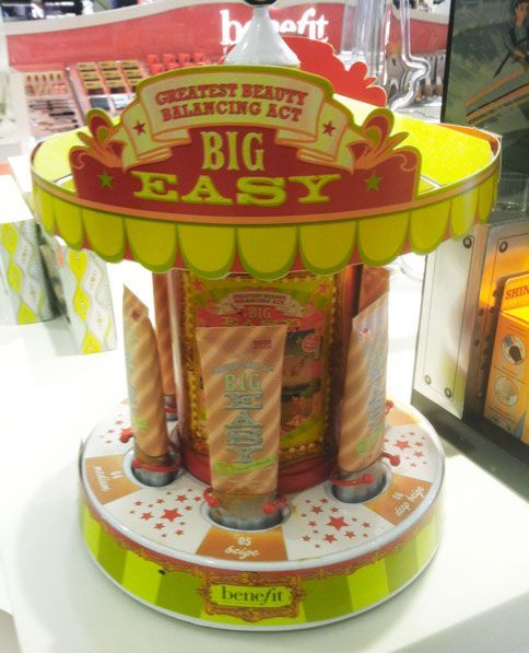 This Point of Purchase Display from Benefit Cosmetics is absolutely amazing!!!!!!!!!!!!!!!!!  Took this picture while browsing at the Orland Square Mall in Orland Park, Illinois!  The lady at the counter told me kids play with it, which equals moms being drawn to it, which means SALES!