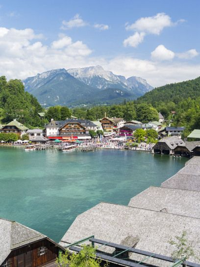 Auch dieses Kleinod findet sich unter den Top 10 der beliebtesten Reiseziele Deutschlands: Schönau am Königssee in Bayern.