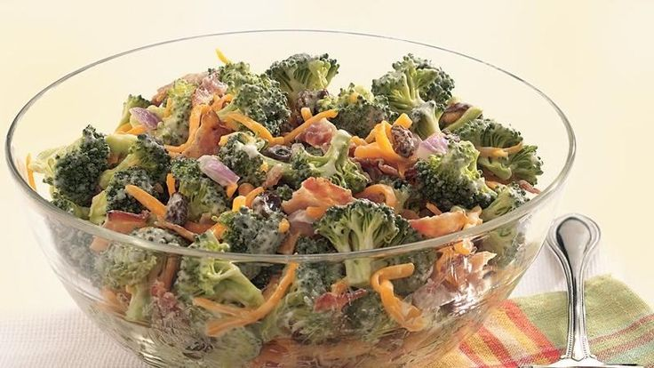 Accent the flavor of fresh broccoli with sweet raisins, smoky bacon, and a creamy mayonnaise dressing.