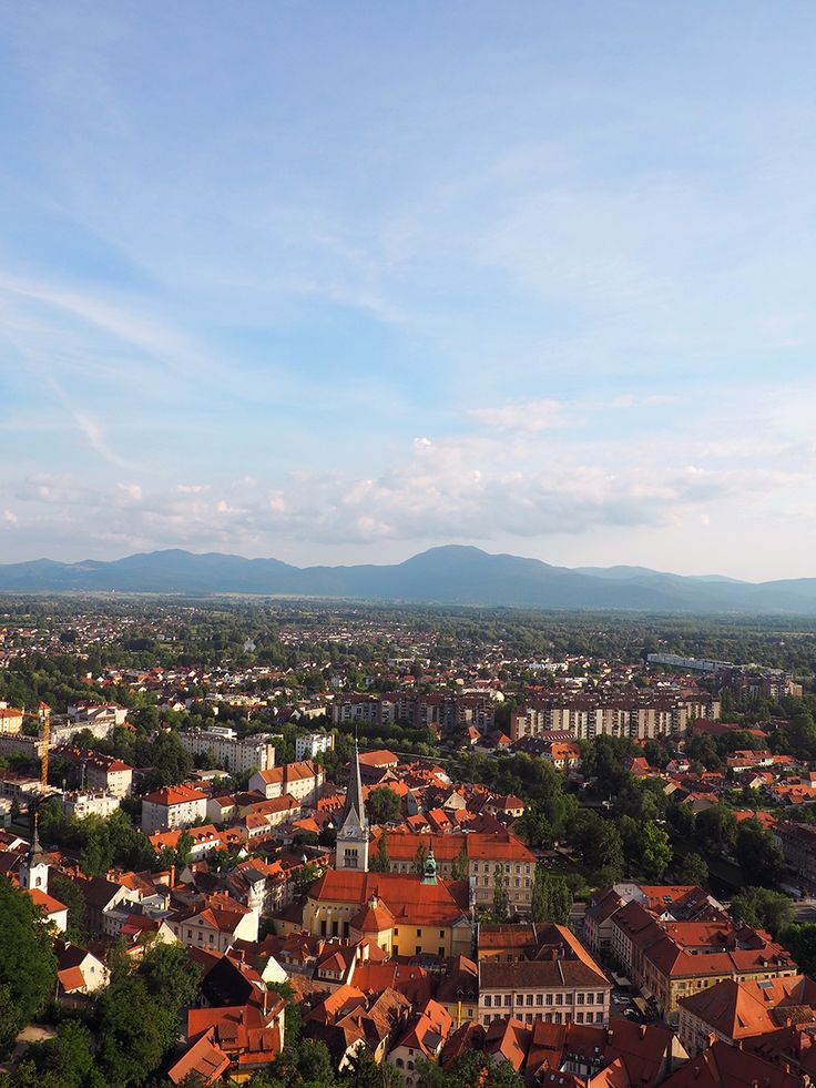 We've been to a lot of European cities and we have definitely found our favorite. This is our 48 hour guide to Ljubljana, Slovenia.| via Stay gold Autumn