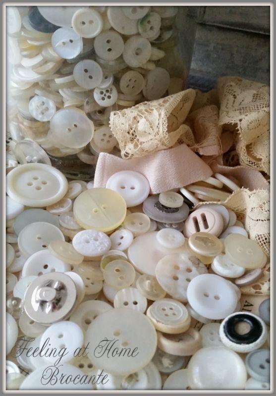 Brocante knopen per 20 st €1,35 Vintage buttons €1,35/20 pcs