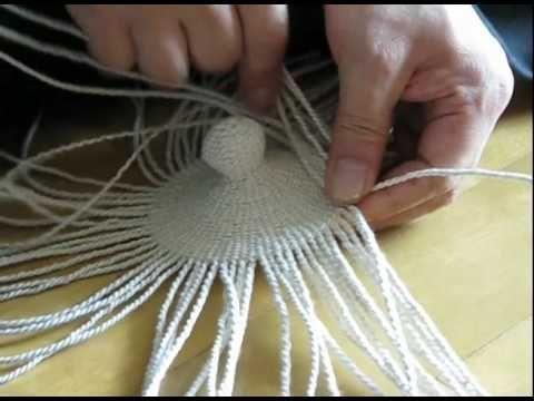 The process of cording and weaving hanji (Korean handmade paper) by a master weaver, Na Seo Hwan. Camera and editing by Aimee Lee.